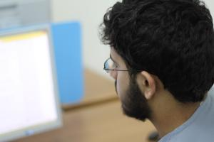 تعزيز قدرات البحث الالكتروني.JPG -