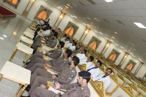 جانب من الحضور للزيارة التي اقامتها كلية طب الأسنان.JPG -